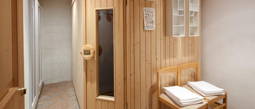 italy_dolomites-ski-area_arabba_hotel-bellavista_exterior_sauna.jpg